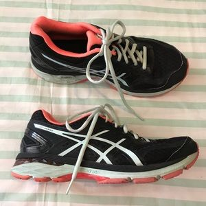 ASICS GT 2000 Black Running Shoes Size 9